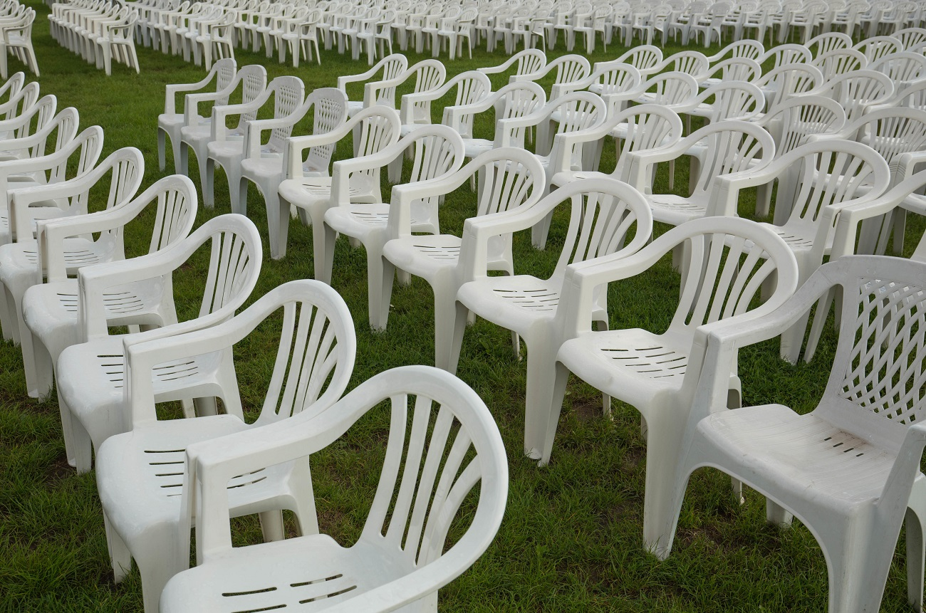 Dust Storm In South Africa Picks Up Rows u0026 Rows Of Plastic Chairs | 98.7 KLUV & Dust Storm In South Africa Picks Up Rows u0026 Rows Of Plastic Chairs ...
